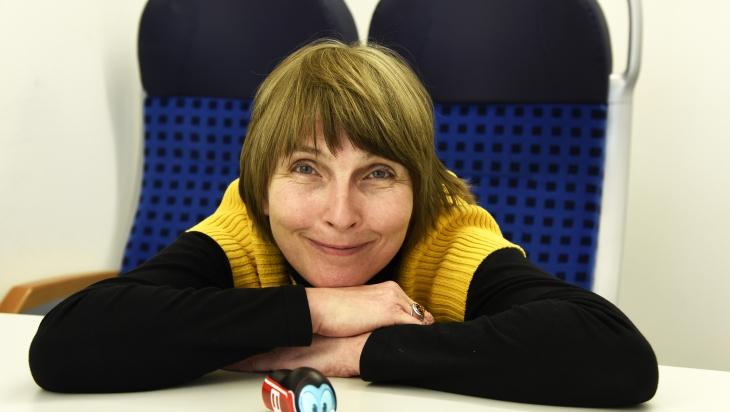 Petra Harnischfeger erklärt, was die Regionalzüge ausmacht; Bild: DB AG/Thomas Herter