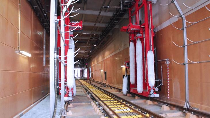 Die ICE-Waschanlage im Werk Rummelsburg © DB AG