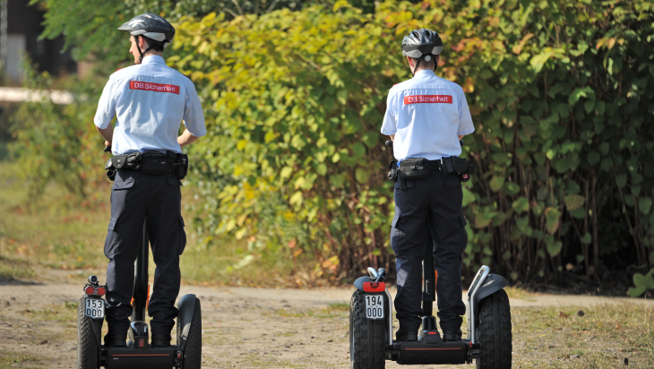 Sicherheit am Bahngelände; Bild: DB AG/ Christian Bedeschinski