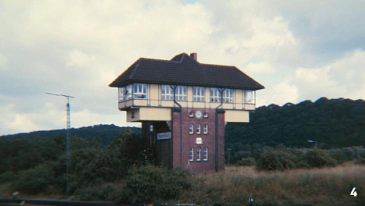 Das alte Stellwerk des Bahnhofes / Foto: TeWeBs, Vienenburg Stellwerk Vof, CC BY-SA 4.0