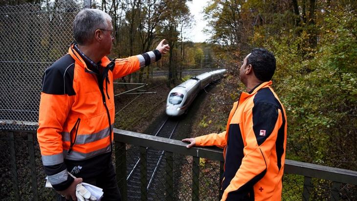 DB-Förster bei der Arbeit © DB AG / Thomas Herter