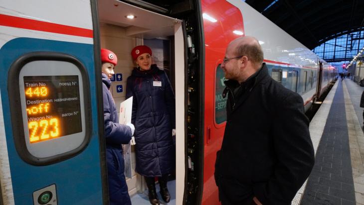 Zug nach Moskau; Bild: DB AG / Volker Emersleben (DB136321)