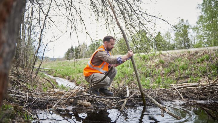 Mitarbeiter für Natur- und Umweltschutz; Bild: DB AG/ Faruk Hosseini (DB166031)