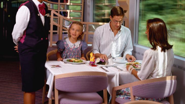 ICE-Bordrestaurant 1995; Bild: Deutsche Bahn AG / Schneider