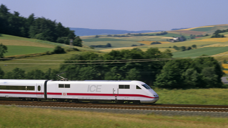 Historisches Foto - ICE 1 - 1991; Bild: DB AG/ Georg Wagner