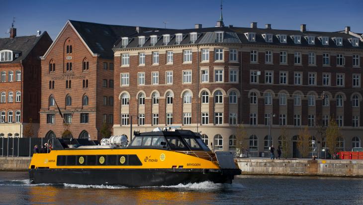 Arriva Wassertaxi auf der Fahrt durch Kopenhagen; Bild: Deutsche Bahn AG / Bartlomiej Banaszak (DB84886)
