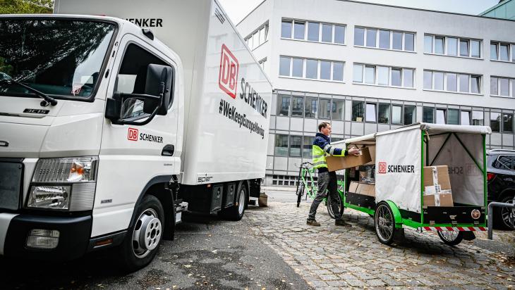 Lastenrad und Lkw; DB Schenker; Max Lautenschläger