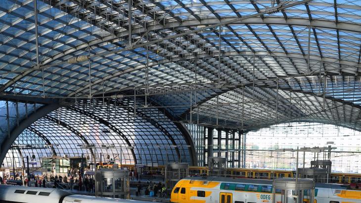 Dach des Berliner Hauptbahnhofes; Bild: DB AG / Jet-Foto Kranert