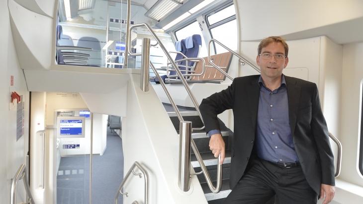 Mathias Semrau in einem der neuen IC2-Züge