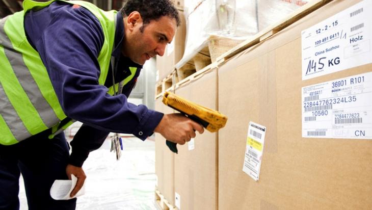 Ein Logistiker © DB AG/Michael Neuhaus