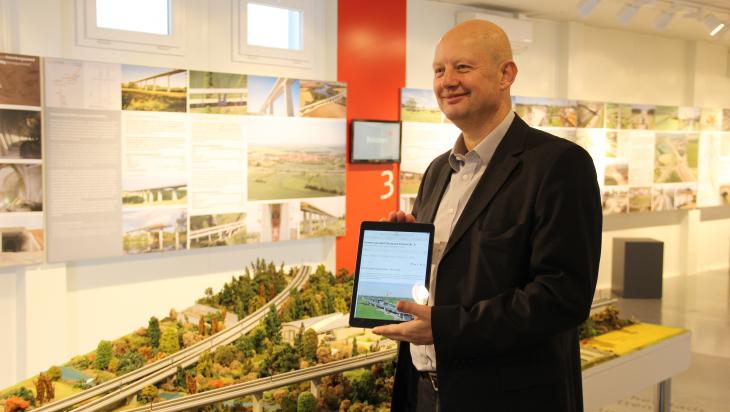 Olaf Drescher der Projektleiter der Schnellfahrstrecke; Bild: DB AG/Hannes Frank