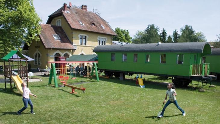 Auf der Spielwiese vom Ferienbahnhof Bodensee © Ferienbahnhof Bodensee