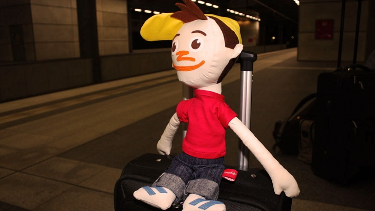 Oli wartet auf seinen Zug © DB AG