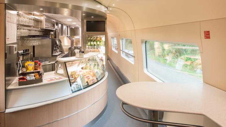 Bordrestaurant; Bild: DB AG/ Oliver Lang