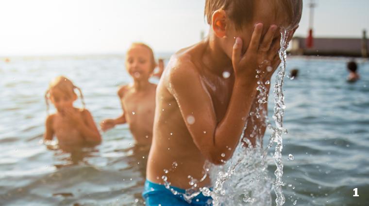 Spiel, Spaß und Erfrischung im kühlen Nass / Foto:  Janko Ferlic, stocksnap, CC O
