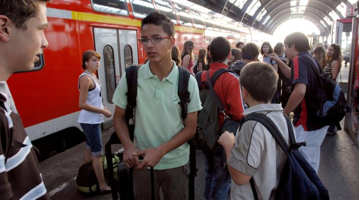 Tipps zum Warten auf den Zug; Bild: DB AG/ Gustavo Alabiso (DB9075)