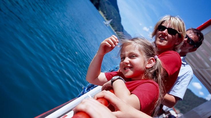 Mit dem Schiff unterwegs auf dem Achensee © go-images / Wolfgang Ehn