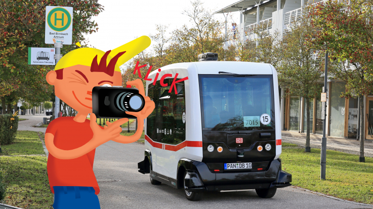 autonomer Bus der Deutschen Bahn; Bild: Uwe Miethe, Grafik: Titus Ackermann